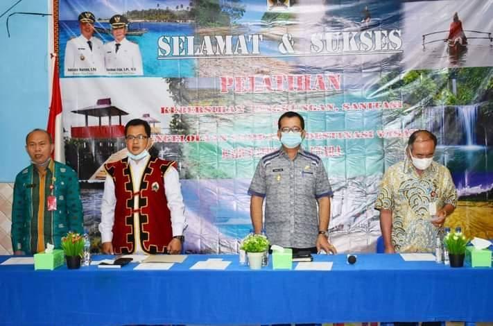 Yusman Zega Buka Secara Resmi Pelatihan Kebersihan Sanitasi Dan Pengelolaan Sampah Di Destinasi Wisata