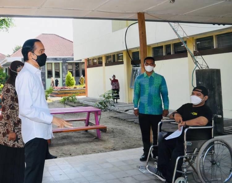 Presiden Tinjau Vaksinasi Pelajar SLB di DIY