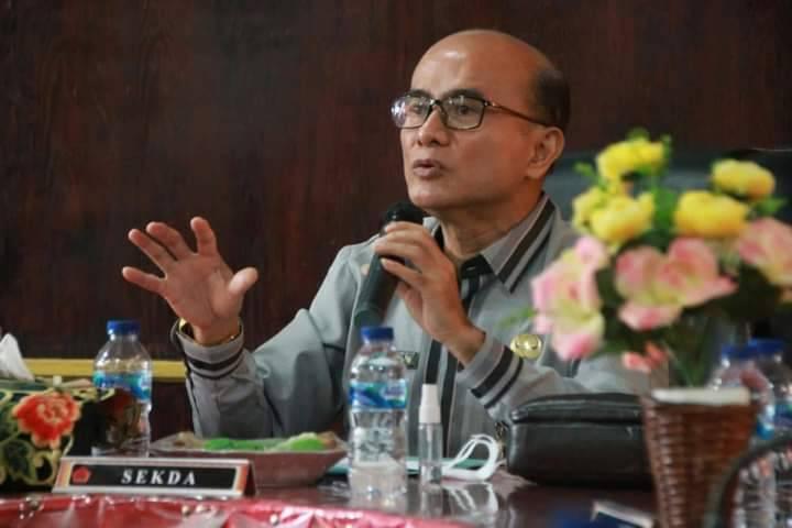 Sekda Nias Barat Prof. Dr. Fakhili Gulo Buka Secara Resmi Sosialisasi Penegasan Dan Penetapan Batas Desa Di Wilayah Kab. Nias Barat